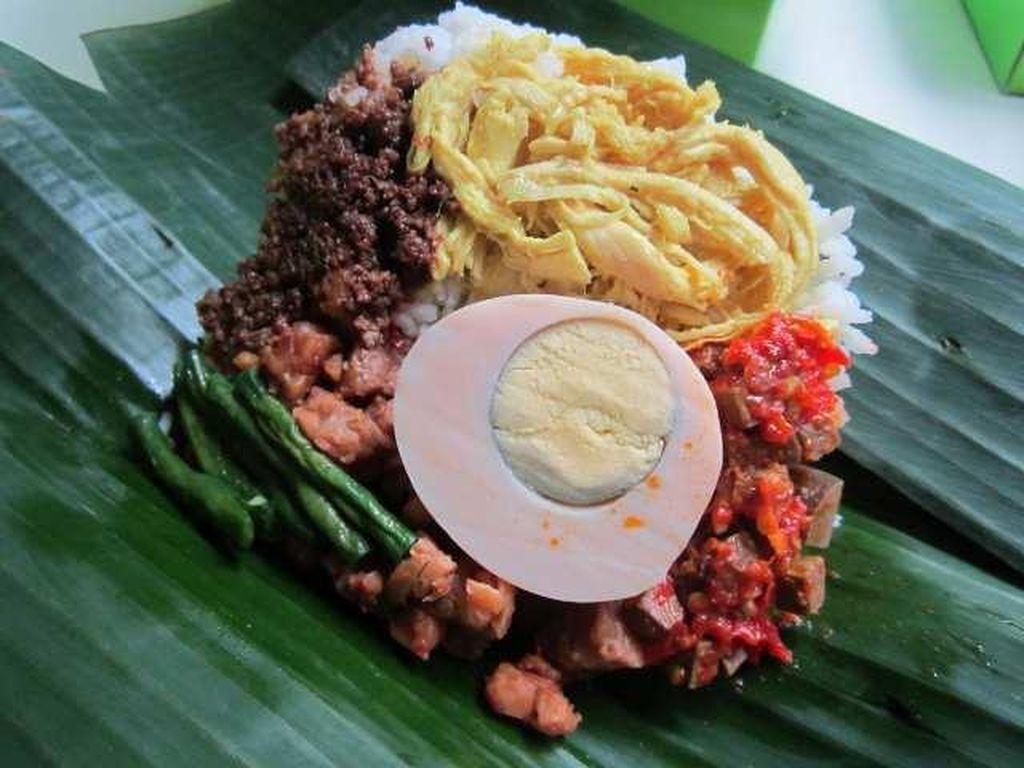 Sedap Komplet, Nasi Bogana yang Enak untuk Makan Siang!