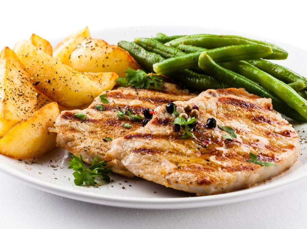 Yuk, Siang Ini Makan Enak dengan Chicken Steak yang Gurih Kayak Netizen Ini!