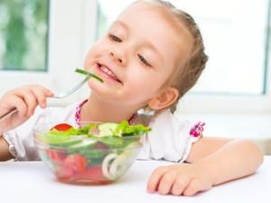 Ini Sebabnya Anak-anak Perlu Diberi Asupan Sayuran dan Buah Segar