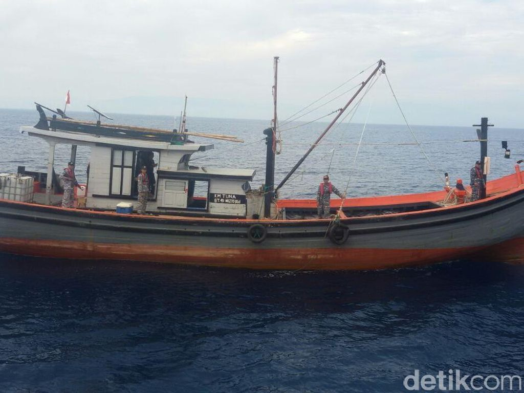 Lagi, Kapal Ilegal Berbendera Malaysia Ditangkap di Selat Malaka