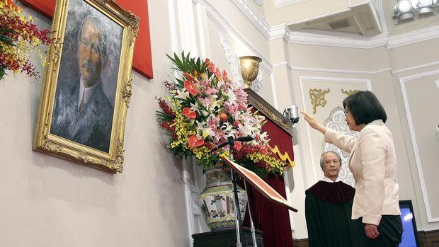Berbeda dengan pendahulunya yang lebih kompromis, Presiden Tsai Ing Wen lebih keras terhadap China.