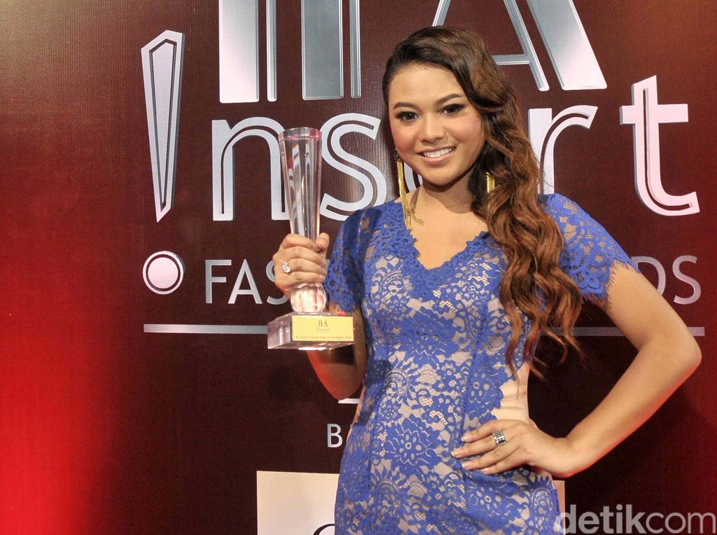 Pemenang !nsert Fashion Awards 2016