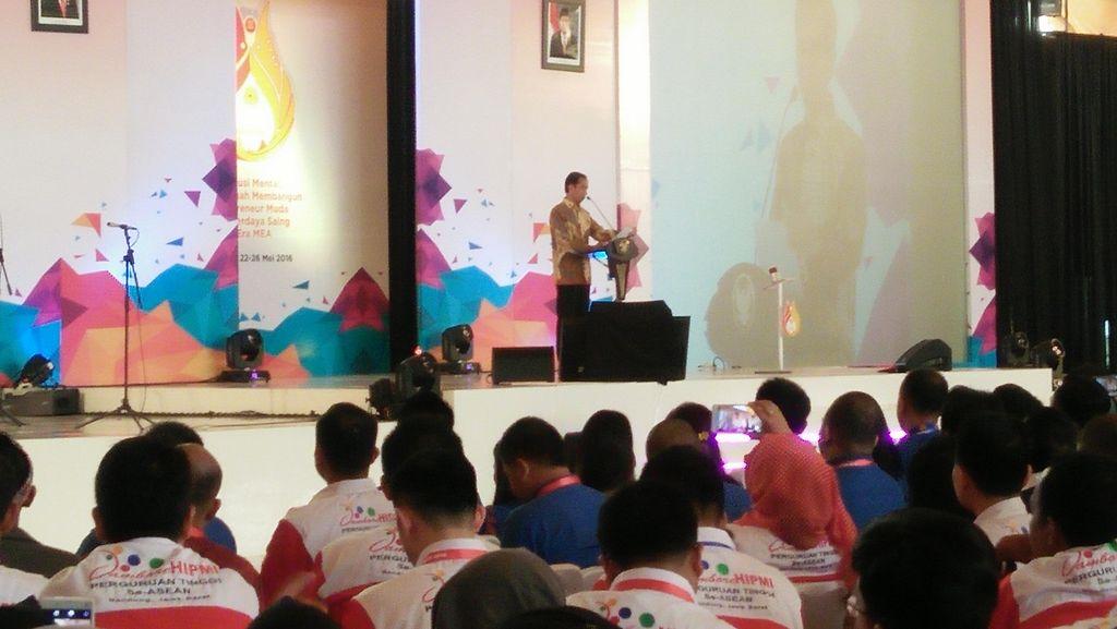 Nasihat Jokowi ke Pengusaha Muda: Saya Rem Blong 3 Kali, Tapi Bisa Bangkit Lagi