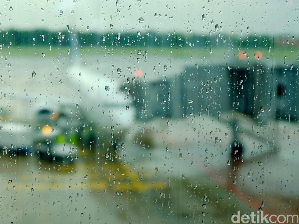 Pemda Bisa Tutup Bandara Demi Cegah Corona, tapi...