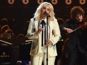 Kode-kode Kesha untuk Kolaborasi dengan Taylor Swift