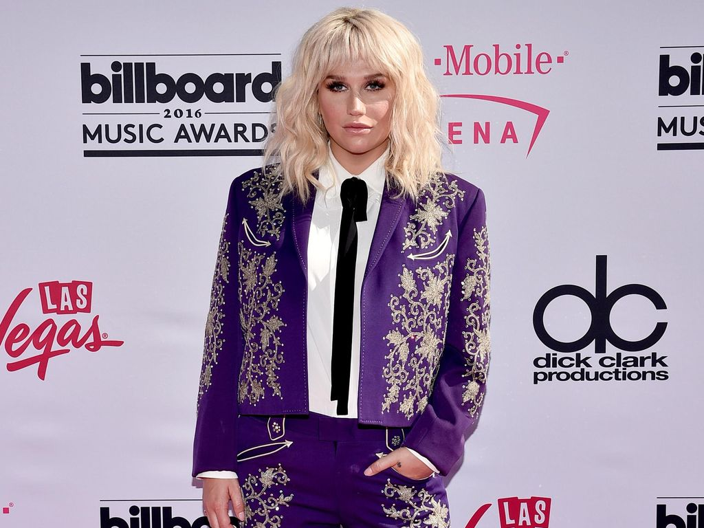 Lawan Bullying, Kesha Posting Foto Nakal di Instagram