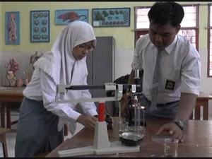 Dua Pelajar Lamongan Temukan Bakteri Penyembuh Diare