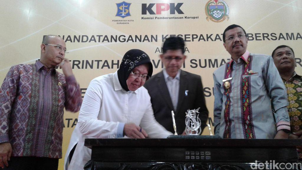 Wali Kota Risma Hibahkan Software e-Gov ke KPK