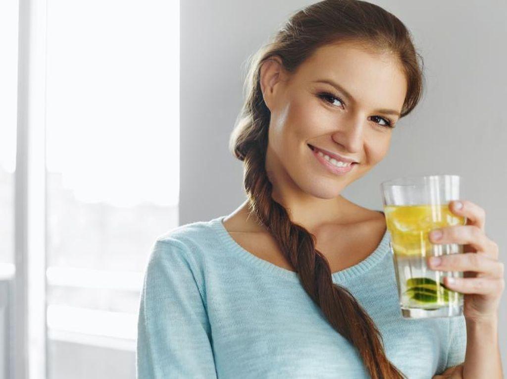 7 Cara Detoks Tubuh yang Gampang, Nggak Perlu Diet!