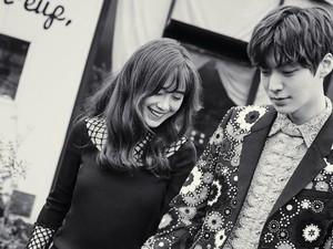 Pose Penuh Cinta Ahn Jae Hyun dan Goo Hye Sun di Pulau Jeju