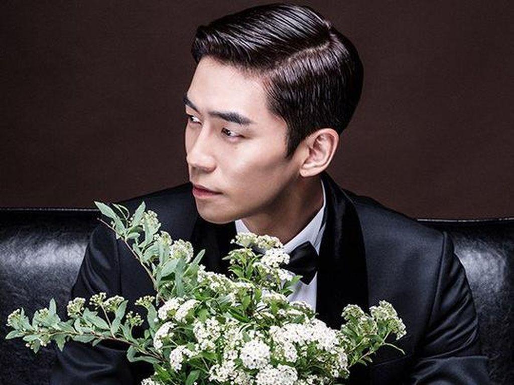 Intip Wajah Bahagia Shin Sung Rok di Foto Pre-Wedding
