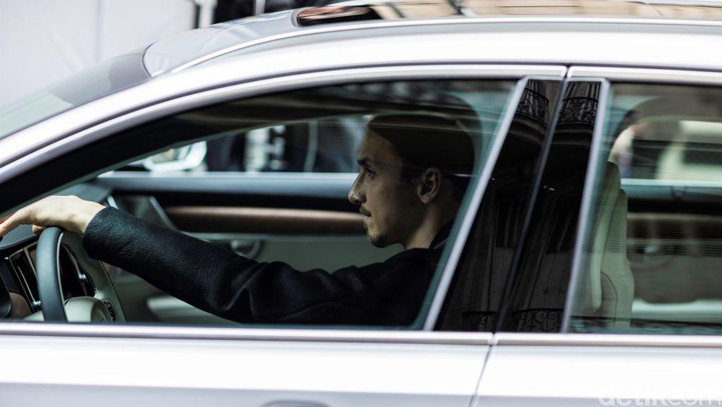 Volvo V90 Antarkan Zlatan Ibrahimovic ke Piala Eropa 2016