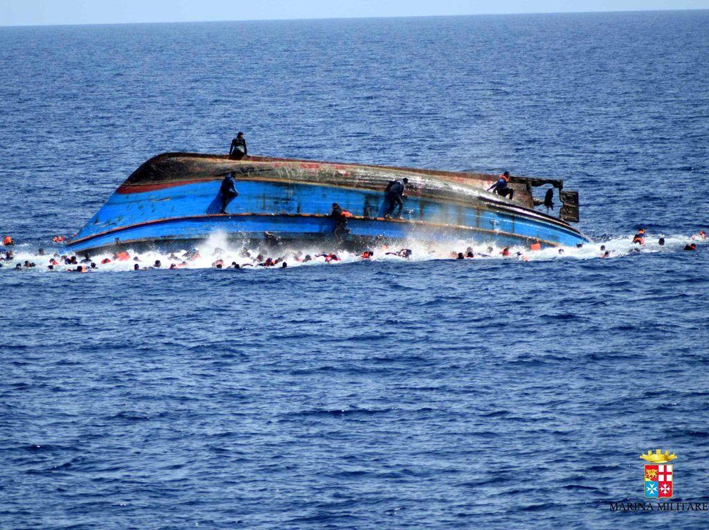62 Mayat Imigran Korban Kapal Karam Dievakuasi dari Lepas Pantai Libya
