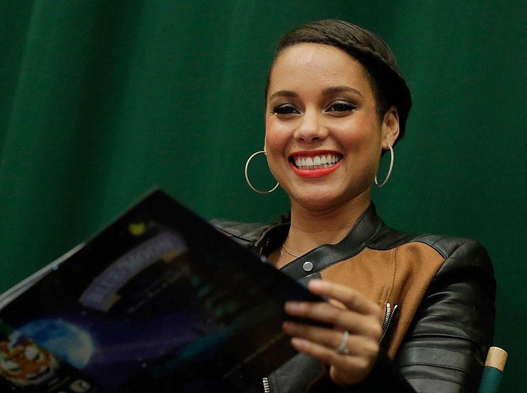 Alicia Keys Siapkan Rp 14 T buat Bisnis Orang Kulit Hitam