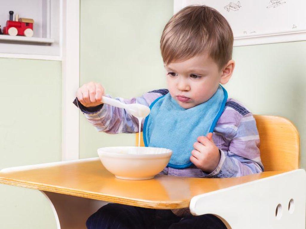 Siasati dengan 3 Cara Ini Agar Anak Tak Rewel Saat Makan