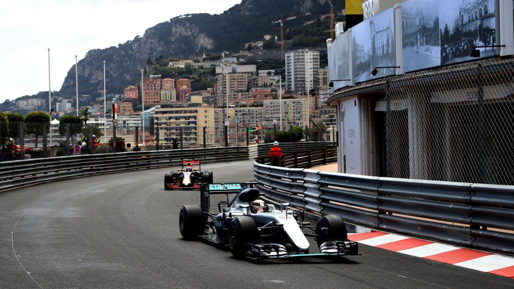 Ricciardo: Persaingan Sengit dengan Hamilton Bisa Dihindari