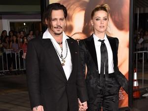 Pihak Johnny Depp Bantah Cerai karena Adegan Seks Amber Heard di Film