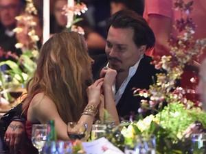 Adegan Seks Amber Heard di Film Picu Perceraian dengan Johnny Depp?