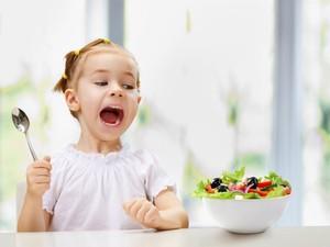Racik Salad Buat si Kecil dengan Cara Ini Agar Lebih Menarik