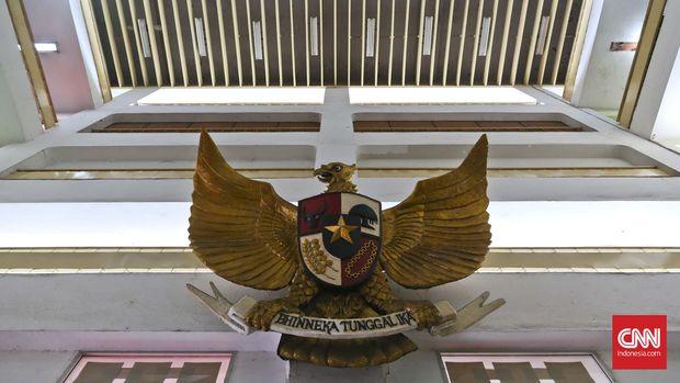Patung Garuda Pancasila, di Gedung Pola, komplek Tugu Proklamasi, Jakarta, Selasa, 31 Mei 2016. CNN Indonesia/Adhi Wicaksono.