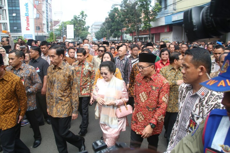 Ketua MPR: Pancasila Ideologi Bangsa, Gotong Royong Jadi Sarinya