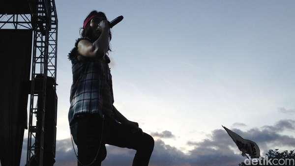 Kenangan Manis dari Slank untuk Atambua
