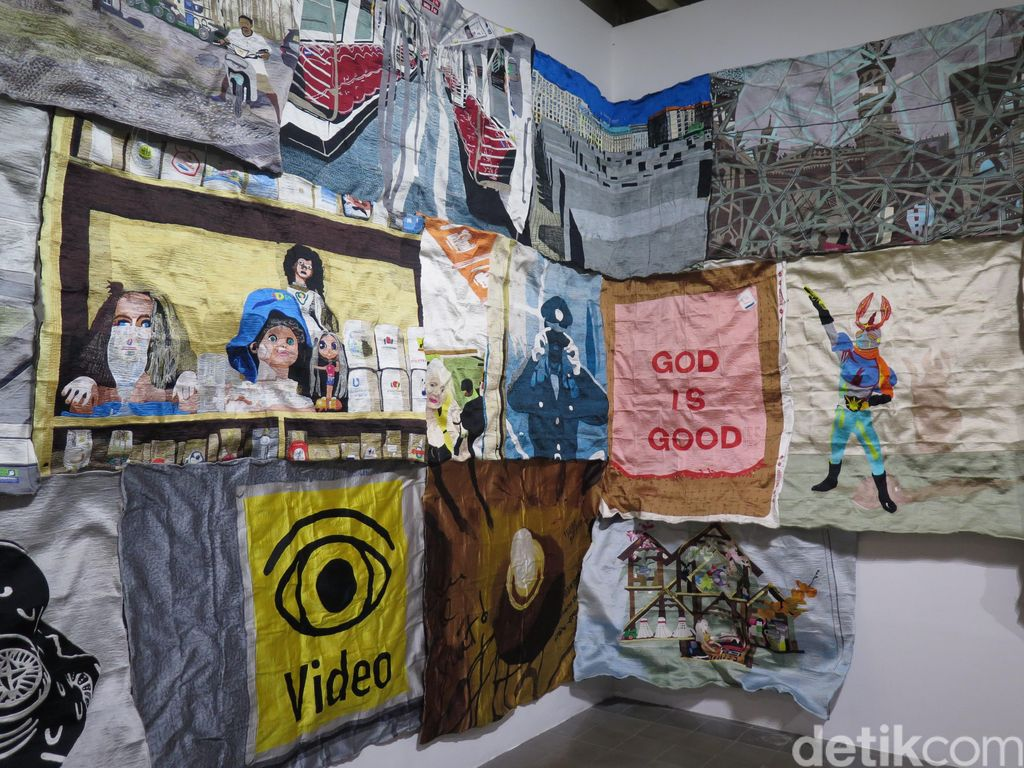 Karya Eko Nugroho di Mandiri ART|JOG|9, Salah Satu yang Paling Ramai Dikunjungi!