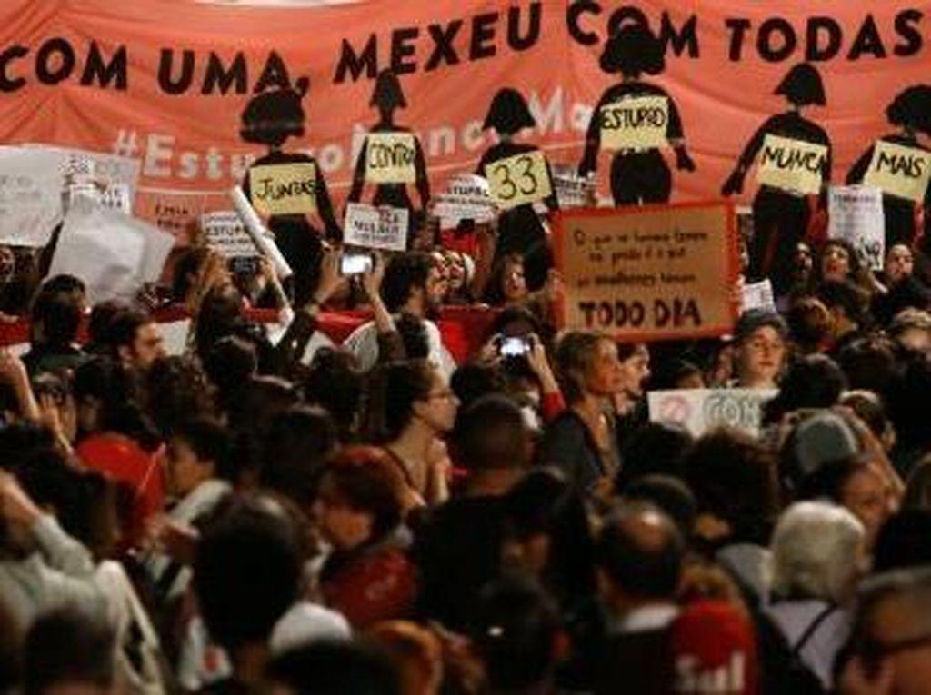 Demo Tuntut Presiden Brasil Mundur Ricuh!