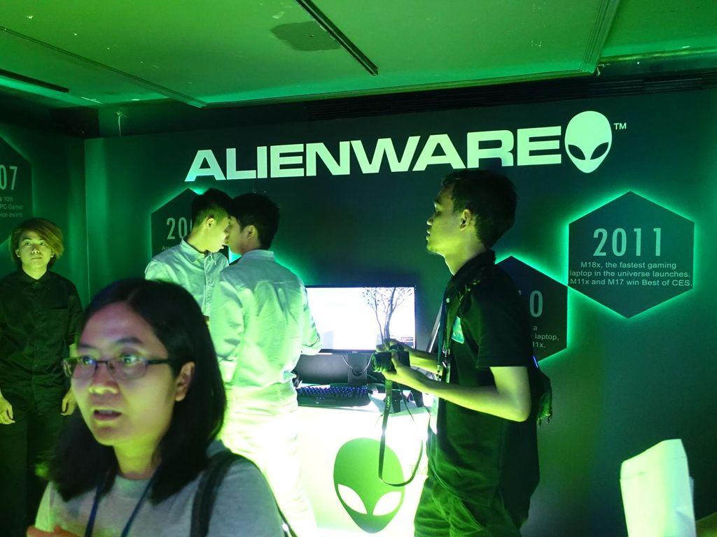 Dell Rilis Trio Alienware yang VR Ready