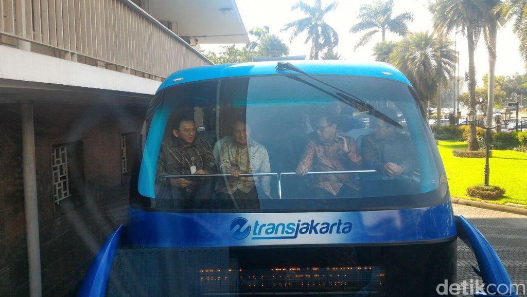 Ahok Ajak Agus Marto ke Senayan Pakai Bus Tingkat TransJakarta