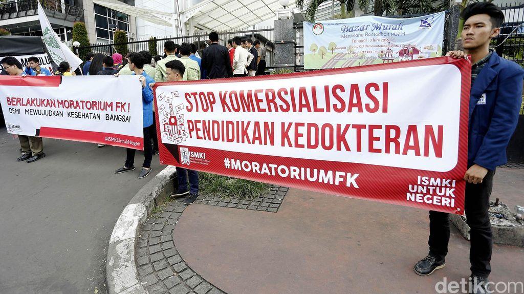 Stop Komersialisasi Pendidikan Kedokteran