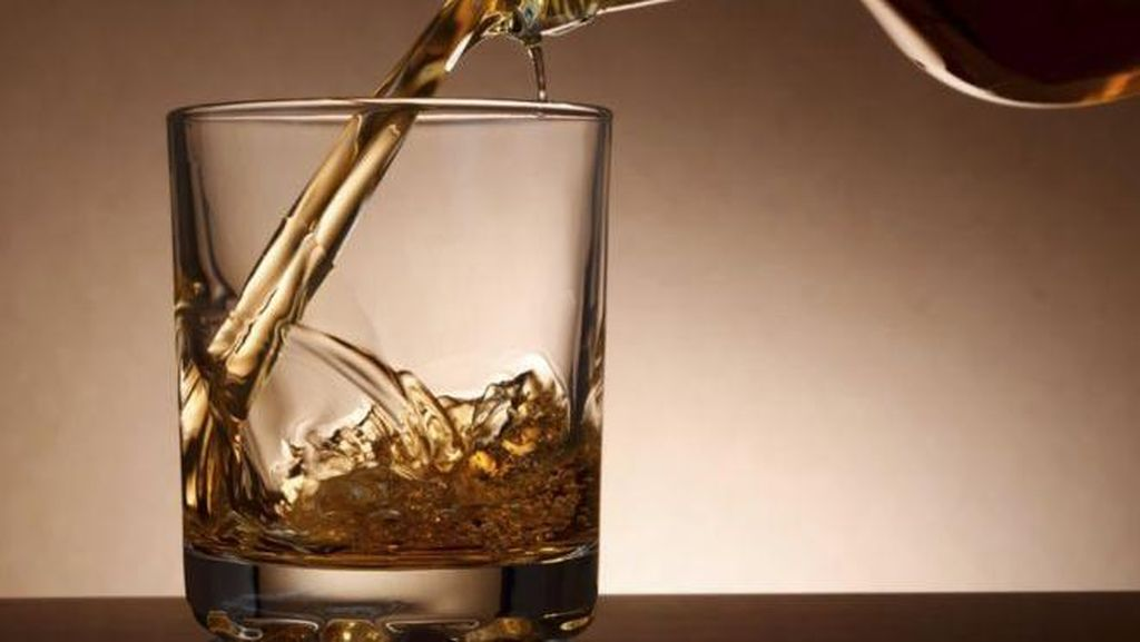 Ini 9 Selebriti Hollywood yang Terjun ke Bisnis Minuman Alkohol (1)