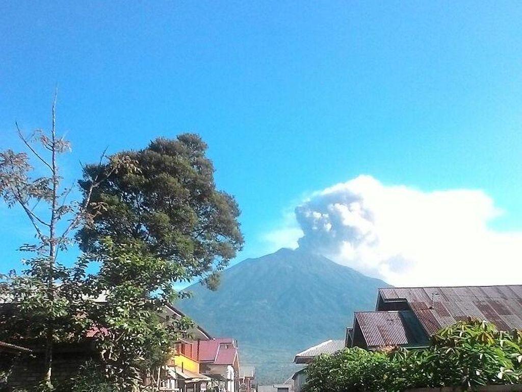 BNPB: Aktivitas Gunung Kerinci Tidak Mengkhawatirkan