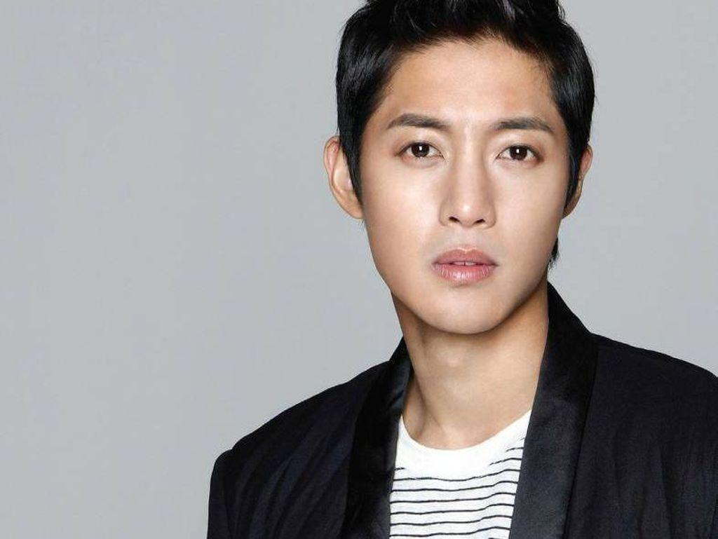 Hadiri Preskon Drama, Kim Hyun Joong Bahas soal Anak