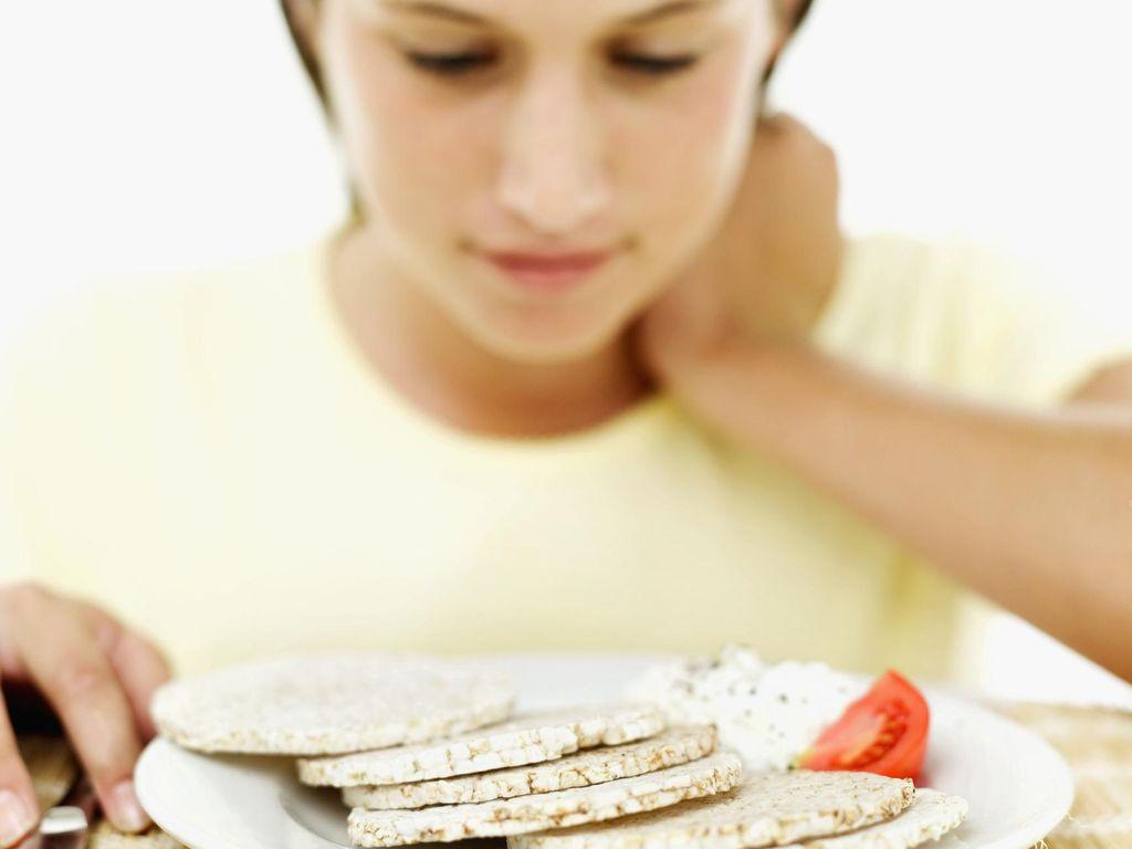 Sudah Batasi Asupan Pemicu Kolesterol Tinggi Tapi Kaki Masih Terasa Sakit