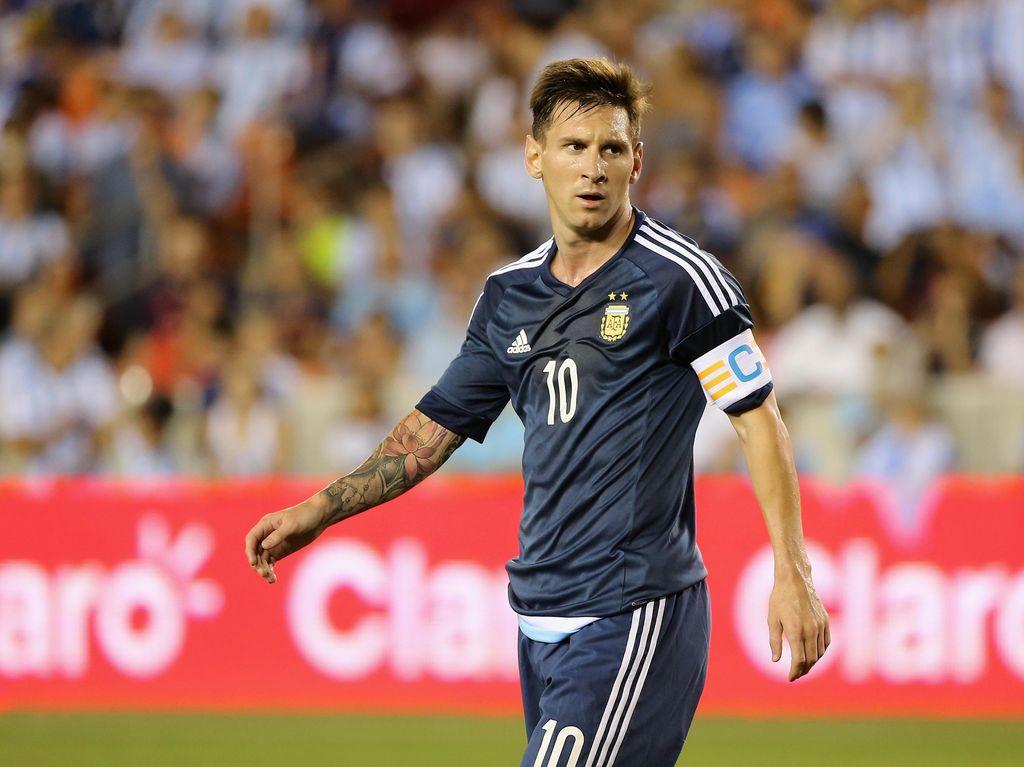 Tips and Trick Melayani Messi dari Gago