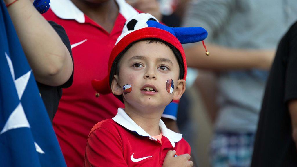 Ada Lagu Pitbull Nyasar saat Lagu Kebangsaan Chile Diputar