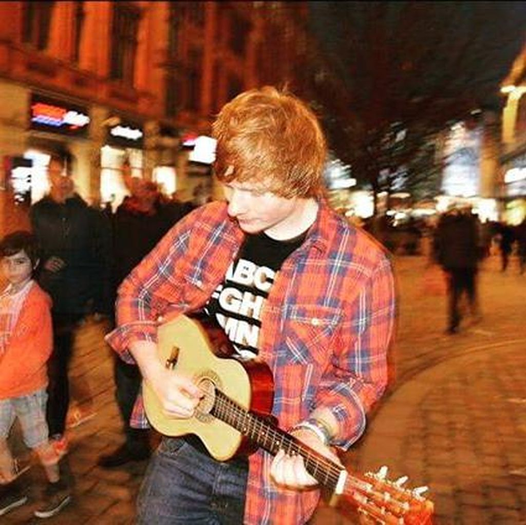Ada Ed Sheeran Muda di Video Klip Castle On the Hill
