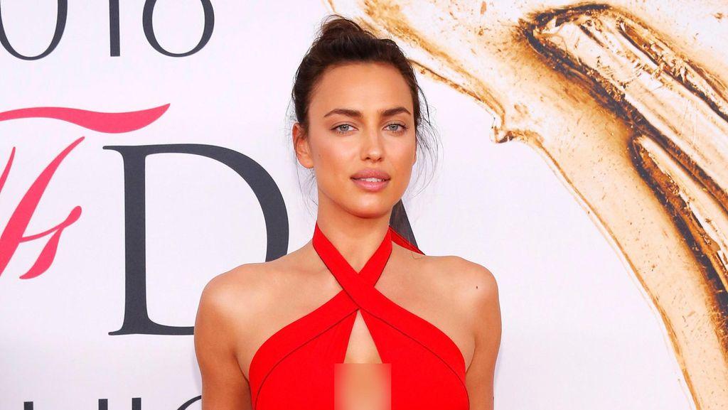 Irina Shayk, Hot in Red