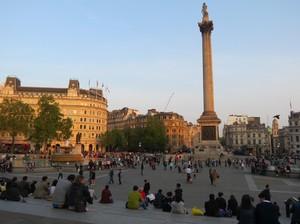 Ngabuburit di London, dari Trafalgar Sampai Picadilly