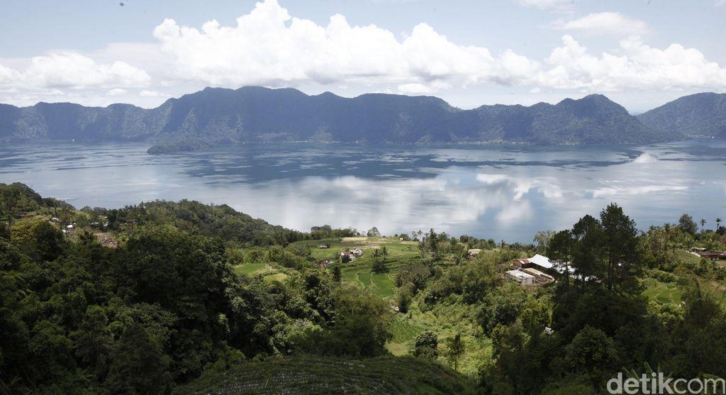 Panorama indahnya Danau maninjau, sumatra Barat. dikhy sasra/ilustrasi/detikfoto