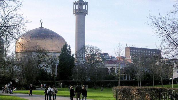 London Central Mosque kini berstatus Grade II.