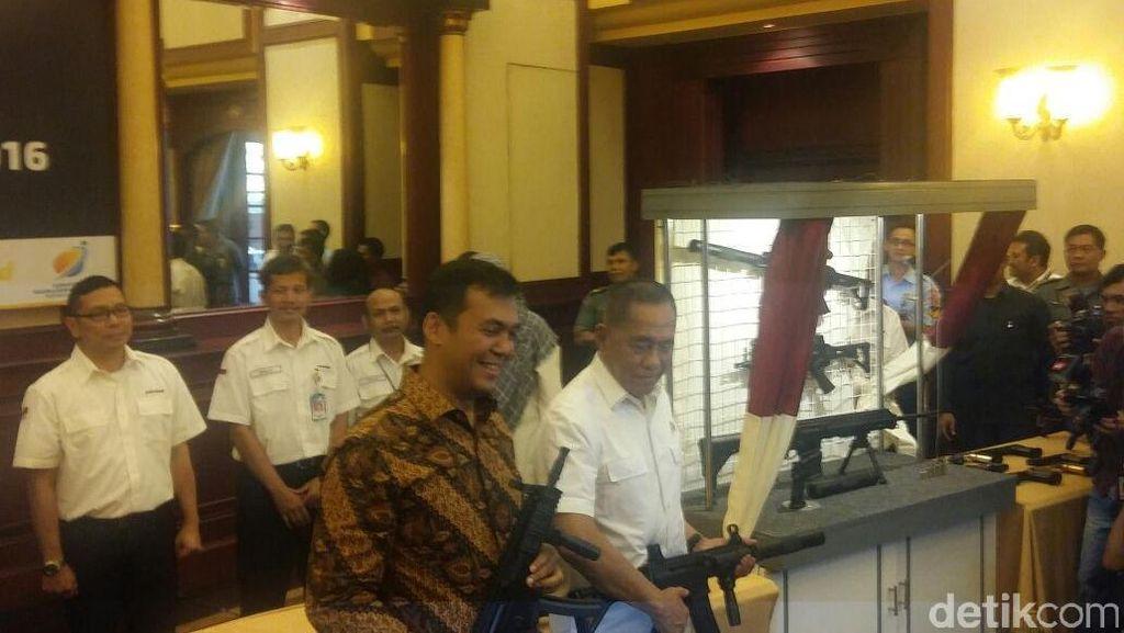 Pindad Pamerkan 4 Senjata Terbaru Made in Bandung