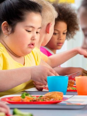 Obesitas Anak Tak Melulu karena Kebanyakan Makan