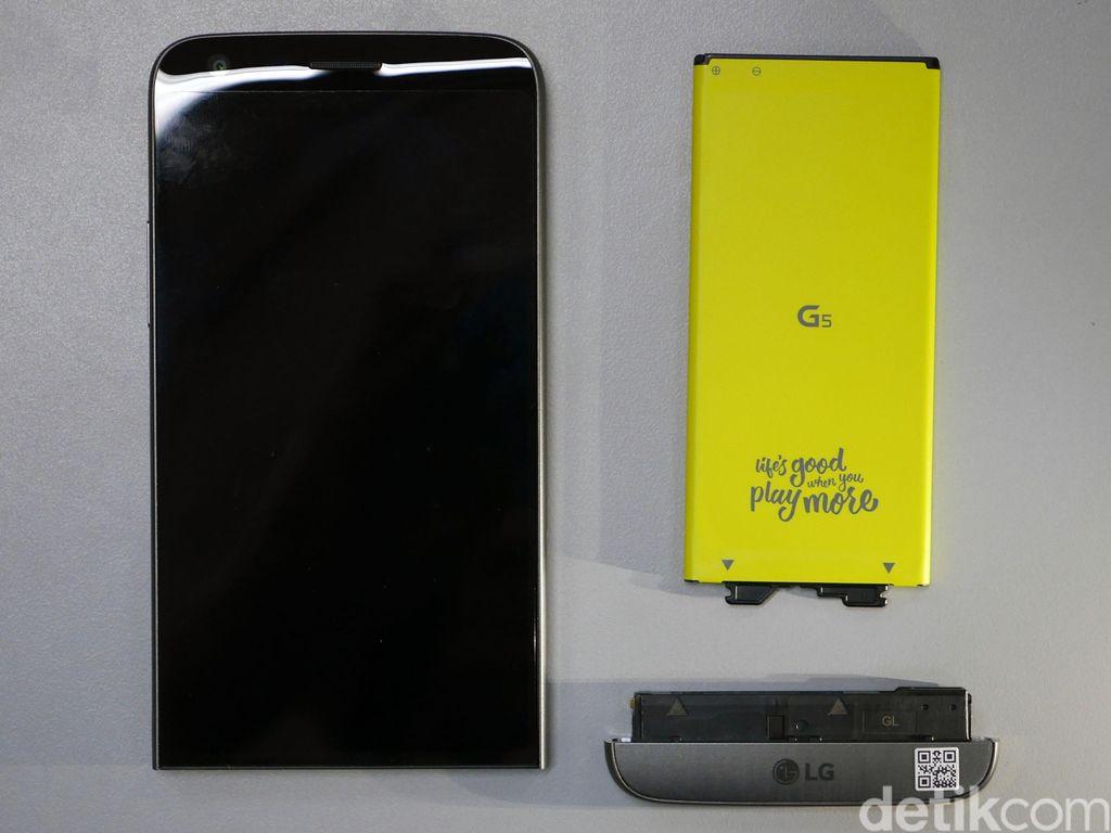 Fitur Smartphone Tinggal Kenangan: Baterai Bisa Dilepas