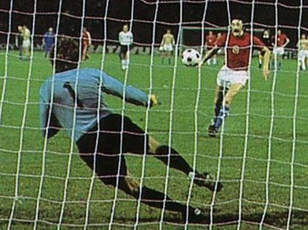 On This Day: Lahirnya Tendangan Panenka