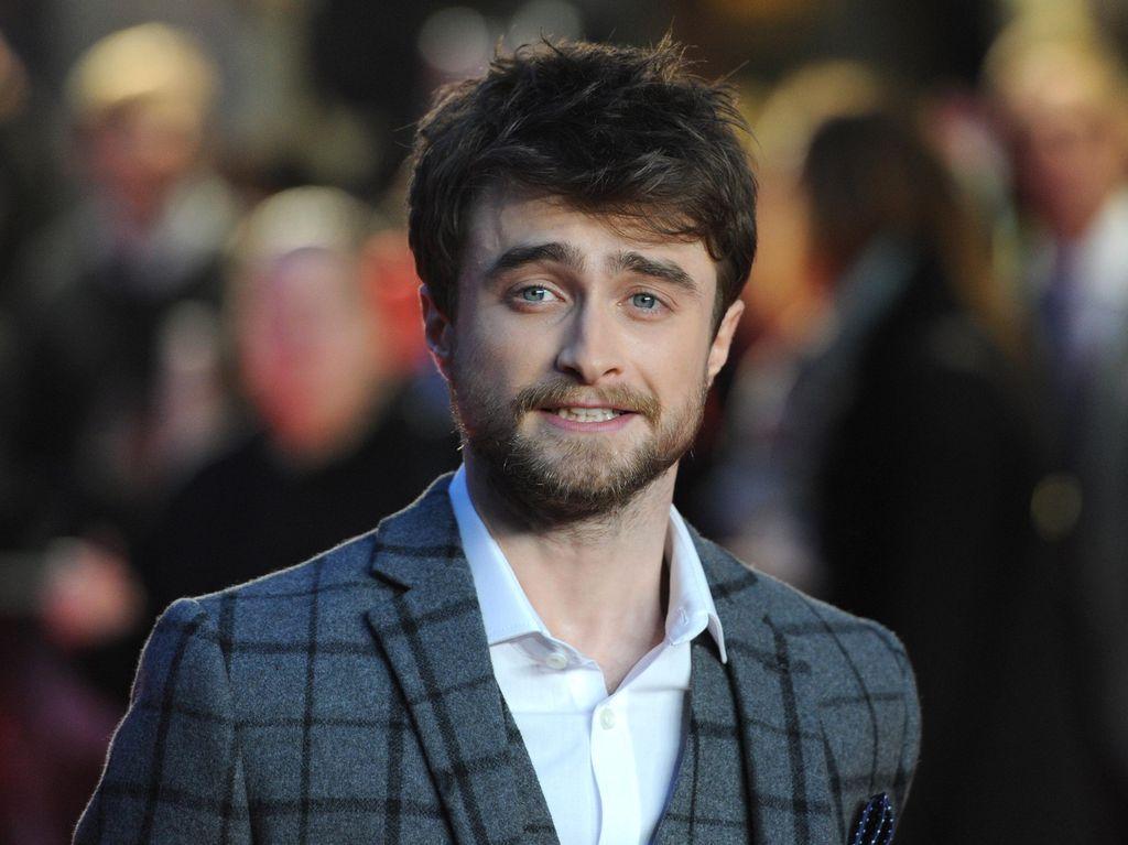 Daniel Radcliffe Minta Maaf Atas Cuitan JK Rowling