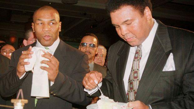 Muhammad Ali merupakan inspirasi banyak petinju dunia.