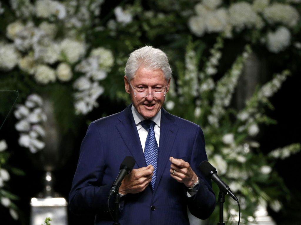 Kecam Penyerbuan Capitol, Bill Clinton Tuduh Trump Kobarkan Kekerasan
