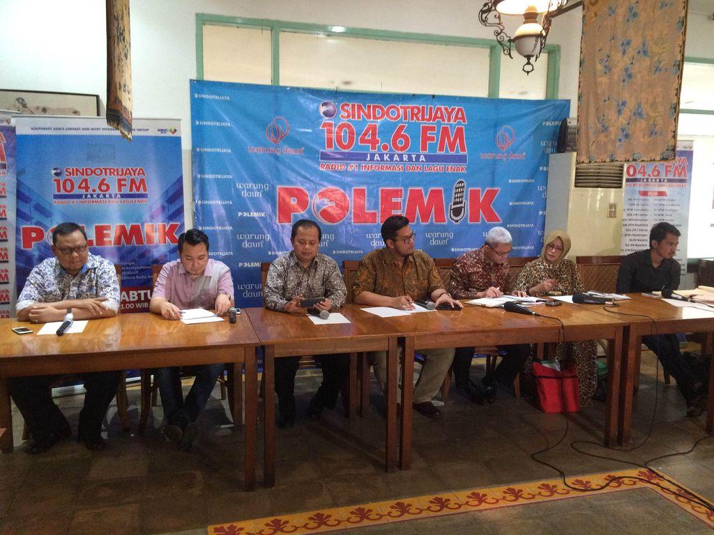 KPU-DPR Saling Lempar Bola Soal Syarat Masa Klarifikasi Pendukung Calon Independen